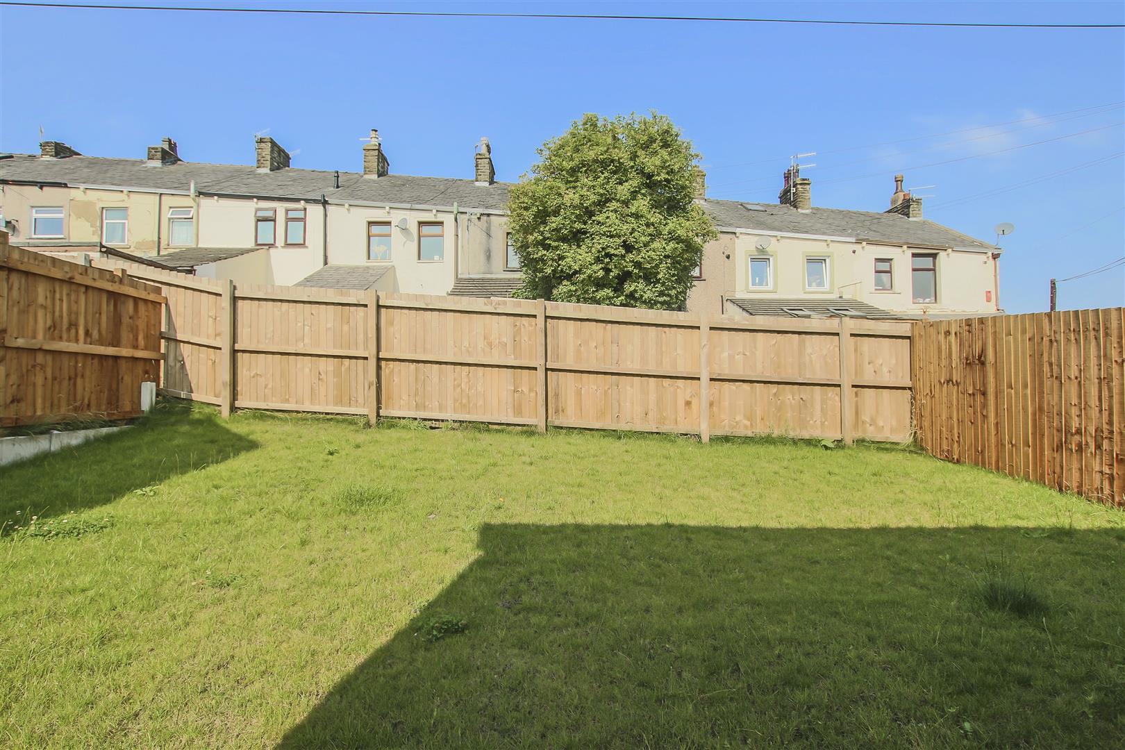 4 Bedroom Detached House For Sale - Example Garden (3).jpg